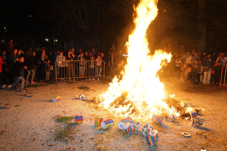 Cormontreuil retraite flambeaux incinération sa majesté Cornibus fête patronale septembre 2019