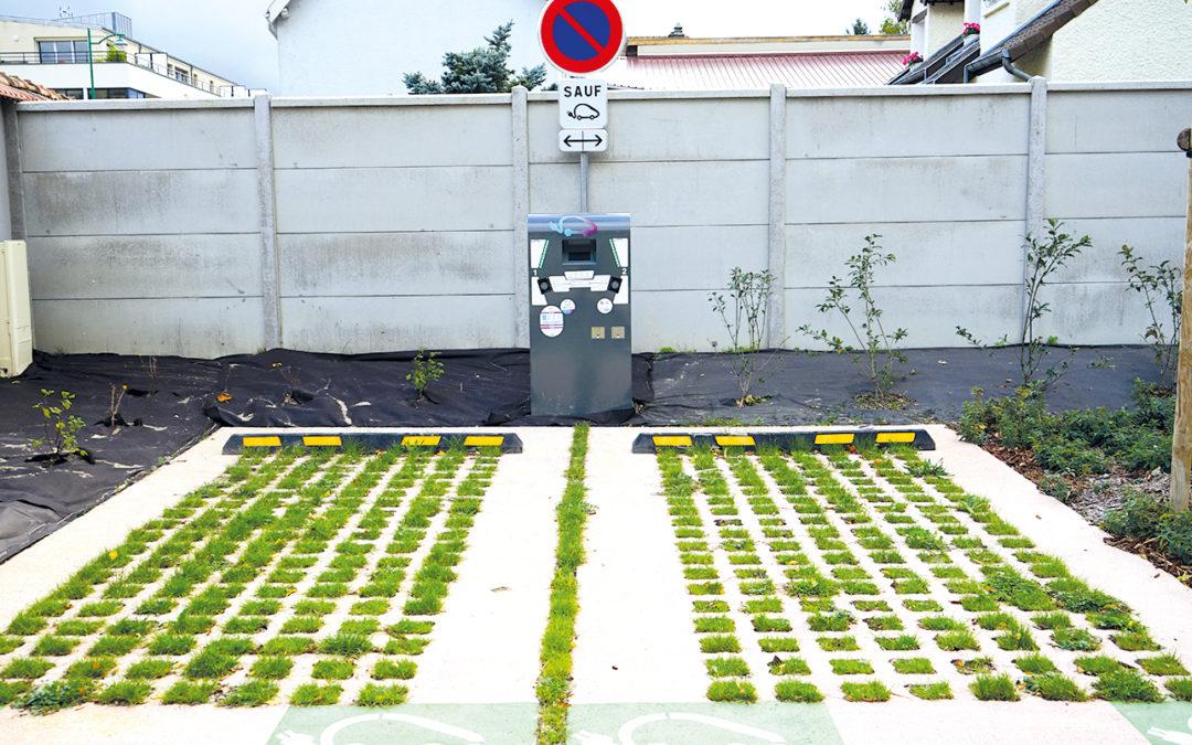Borne de rechargement des véhicules électriques et hybrides rechargeables